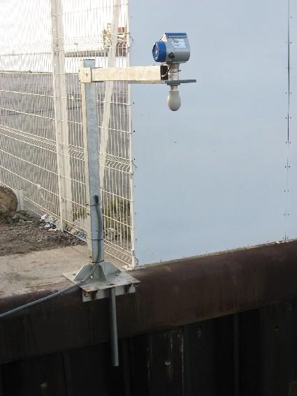 capteur radar Krohne Optiwave (crédits SHOM, 2010)