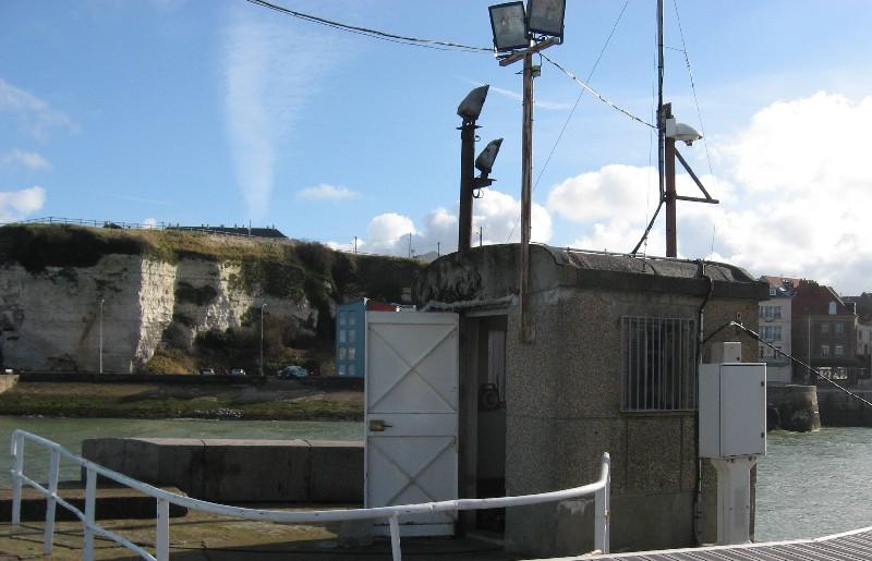Observatoire de marée de Dieppe (crédits SHOM, 2009)