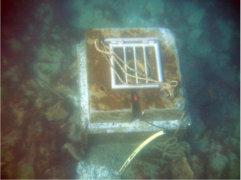 capteur de pression immergé (LEGOS/OMP, INSU-CNRS)