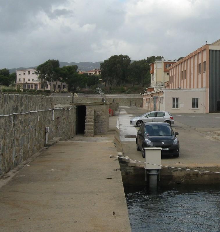 Observatoire de marée d'Ajaccio (crédits SHOM, 2010)
