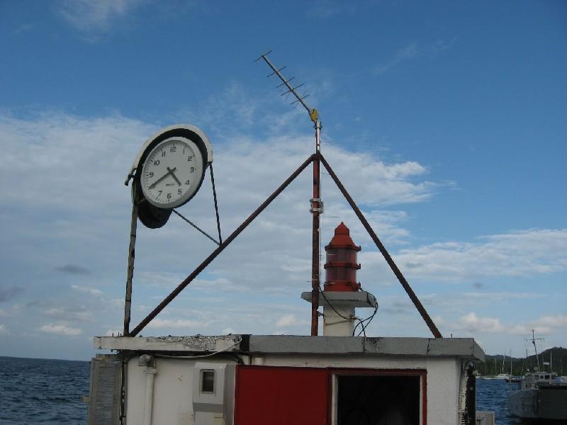Antenne satellite Yagi à Dzaoudzi (crédits SHOM, 2008)