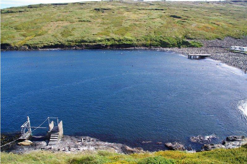 Puit du marégraphe, Baie du Marin (DT/INSU, 2003)