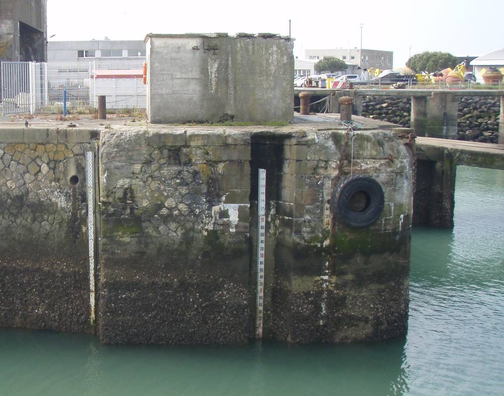 Echelle marée de La Pallice - La Rochelle (Crédits SHOM - Pascal le Dû, mai 2013)