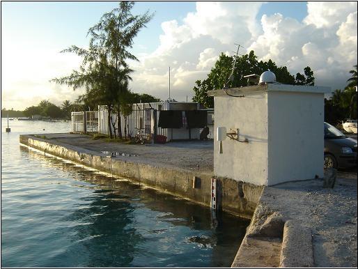 Observatoire de marée de Rangiroa (crédits SHOM, 2009)