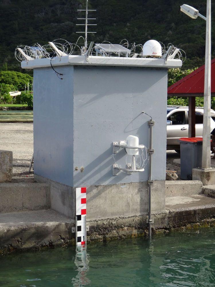 Observatoire marégraphique de Rikitea_Wharf (Crédits SHOM, mars 2012)
