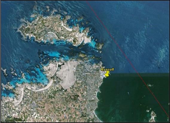 Situation du marégraphe par rapport à la trace au sol des satellites Jason (crédits Google Earth)