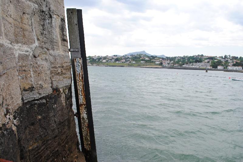 échelle de marée (crédits SHOM, 2011)