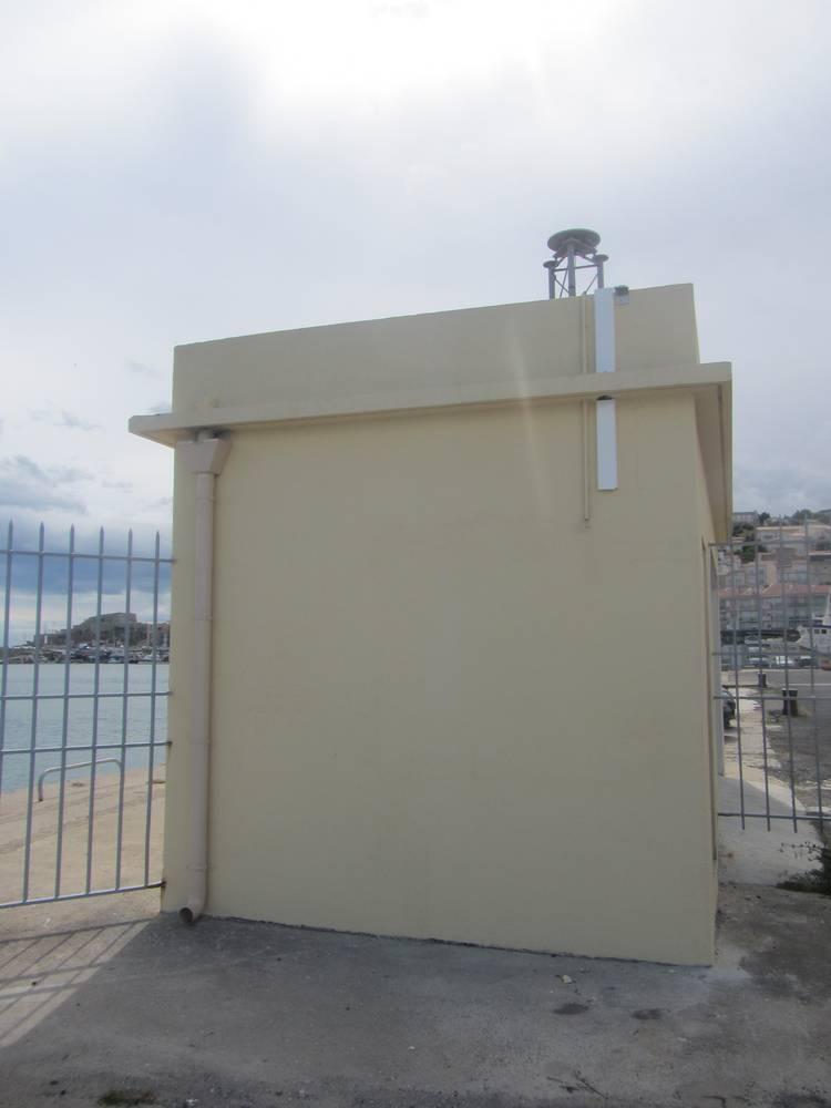 Observatoire marégraphique de Sète (Crédits SHOM - Noé Poffa, mai 2013)