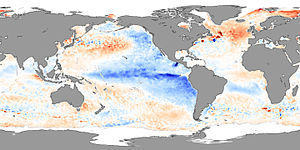 "Anomalies de températures à la surface des océans (en °C) lors de La Niña en 2007  (""Sea Surface Temperature - November 2007"" by NASA image by Jesse Allen, using AMSR-E data processed and provided by Chelle Gentemann and Frank Wentz, Remote Sensing Systems. - NASA Earth Observatory http://earthobservatory.nasa.gov/Newsroom/NewImages/images.php3?img_id=17869. Licensed under Public domain via Wikimedia Commons - http://commons.wikimedia.org/wiki/File:Sea_Surface_Temperature_-_November_2007.jpg#mediaviewer/File:Sea_Surface_Temperature_-_November_2007.jpg). Cliquez sur la figure pour l'agrandir"