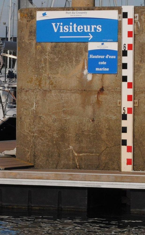 Echelle de marée du Crouesty (Crédits SHOM, octobre 2011)