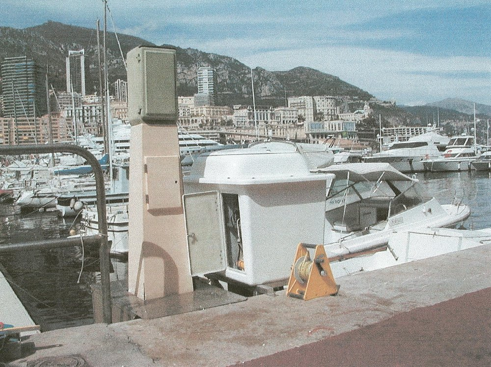 Marégraphe de Port Hercule (crédits SHOM, 2001)