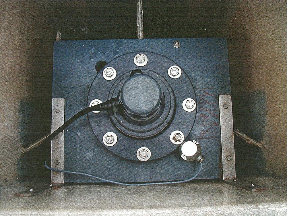 Marégraphe MORS HT200 (crédits SHOM, 2002)