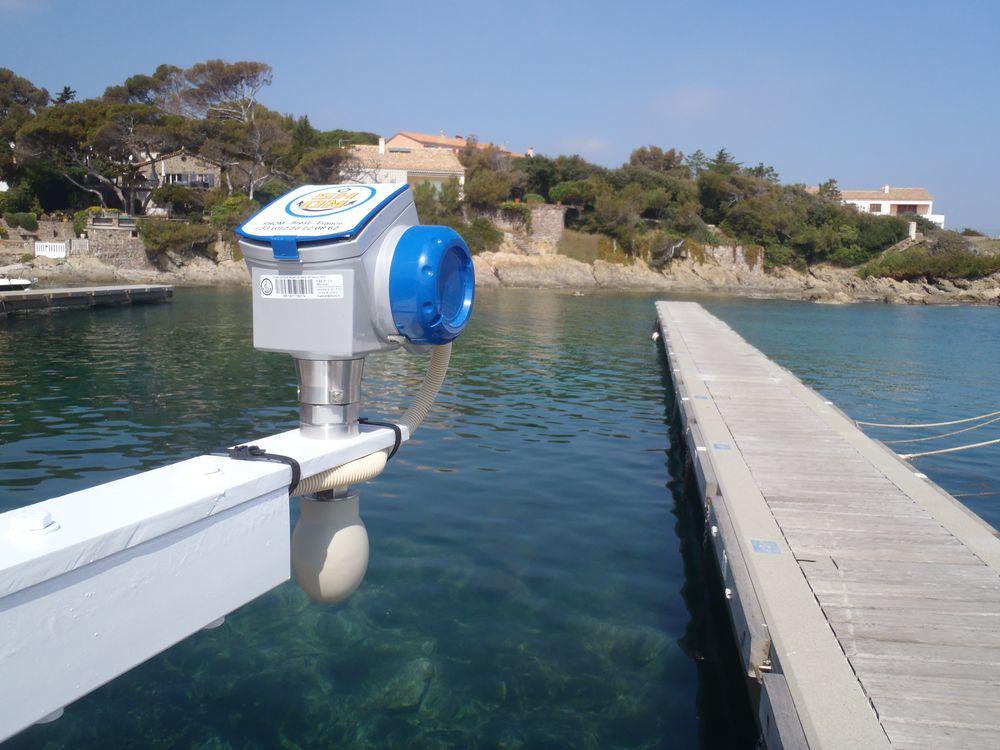 Port-Ferreol capteur (Crédits SHOM, mars 2012)