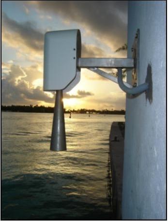 Capteur radar à Rangiroa (crédits SHOM, 2009)