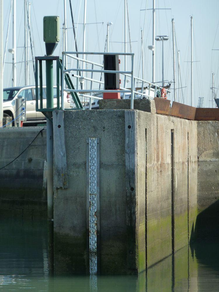 Echelle de marée (Crédits SHOM, mars 2012)