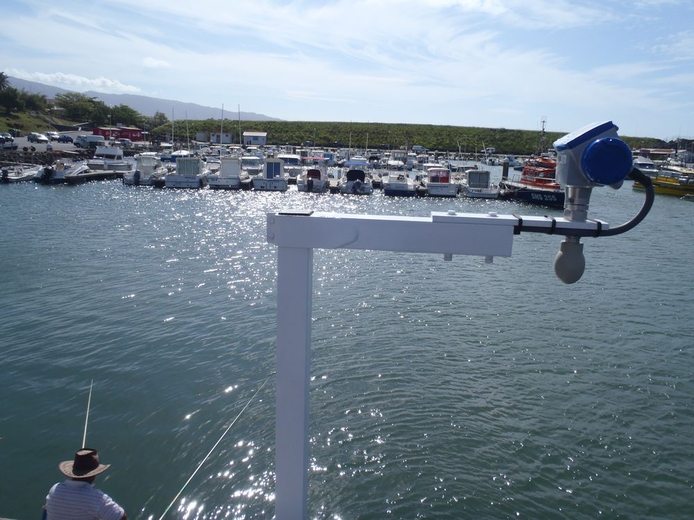 Capteur radar sur potence Sainte-Marie (Crédits SHOM, 2011)